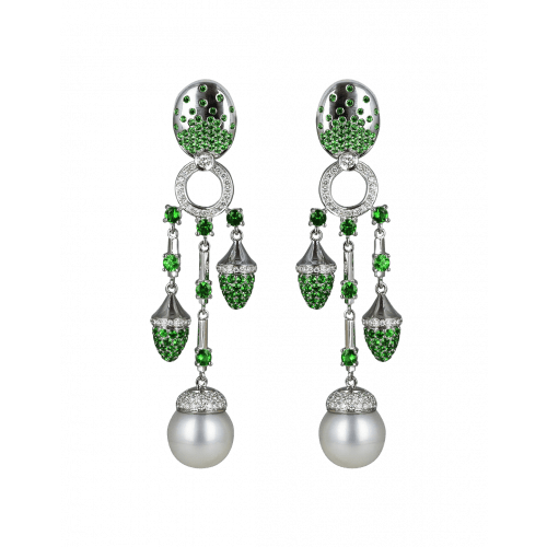 La Pearlina Green Pearl Earrings