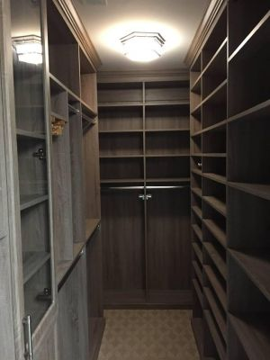 Walk-in Closet Design