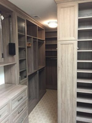 Beau Closet Design   Wood Grain Finish