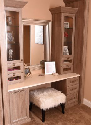 Closet Vanity - Wood Grain Finish