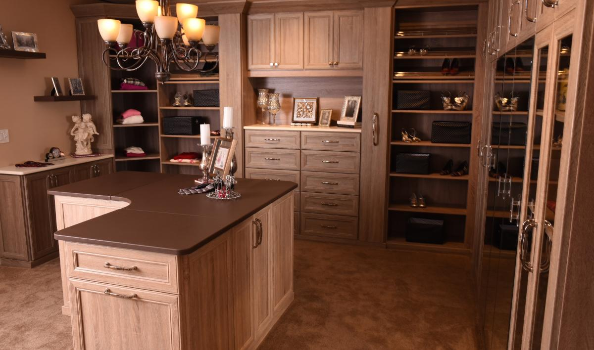 Closet Island - Wood Grain Finish