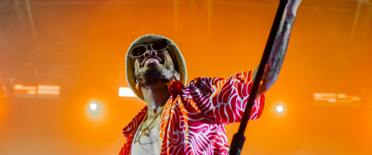 Anderson .Paak Brings the Best Teeth in the Game to Champion Square