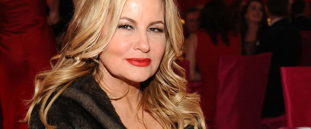 Actress and Comedienne Jennifer Coolidge Recognized as The Krewe of Muses' 2020 Honorary Muse