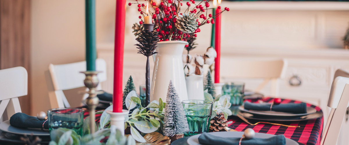Decking the Halls: Easy Decorating Tips to Bring the Holiday Spirit Home