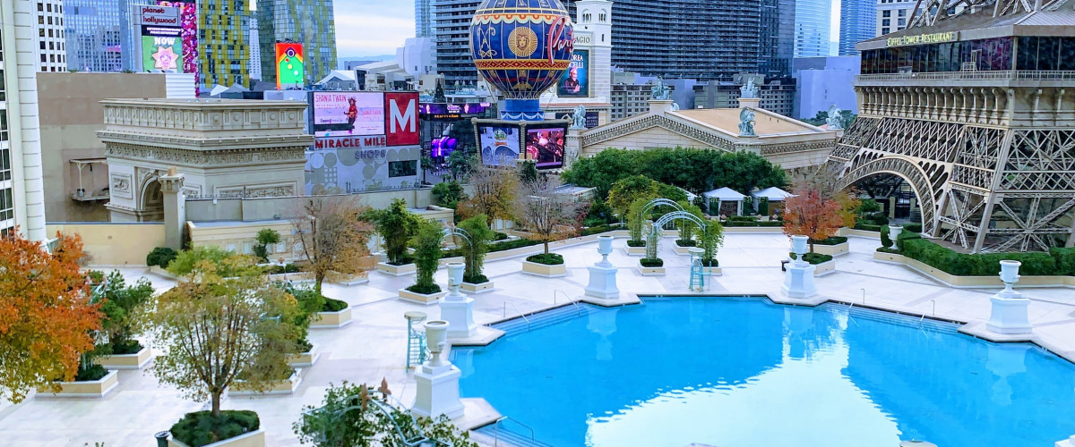 New Orleans Bars Yet to Reopen While Vegas Throws a Pool Party