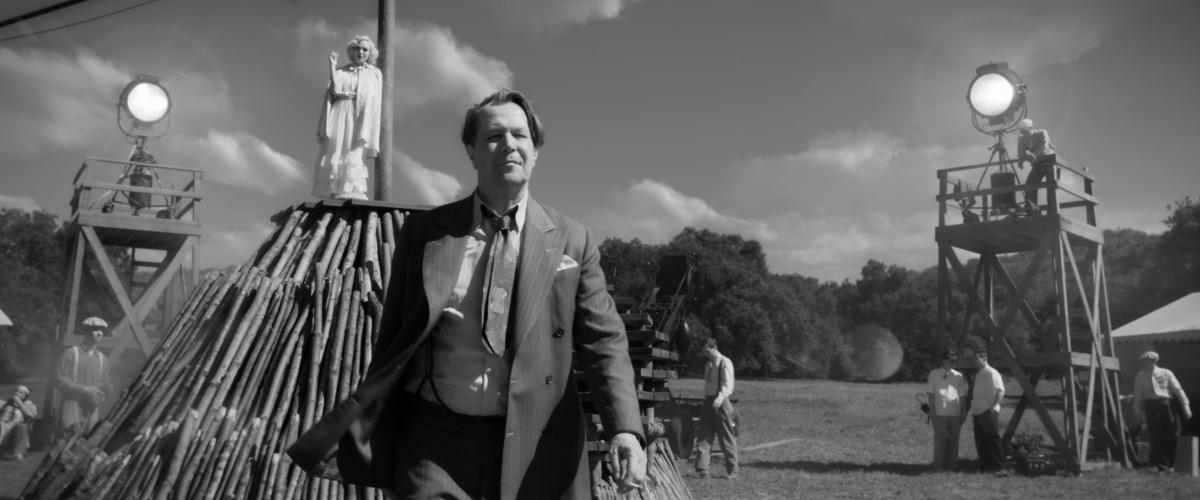 Mank_Gary Oldman as Herman Mankiewicz [lead image courtesy NETFLIX]