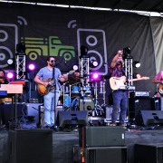 Farmstand Live Brings Food, Music, and Fans Together