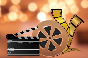 How to Create a Backyard Cinema