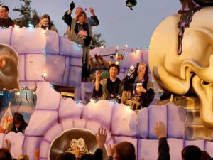 Krewe of BOO! Revamps The Throw Tradition