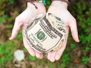 U.S. Congress Passes $2 Trillion Economic Stimulus Bill During Pandemic