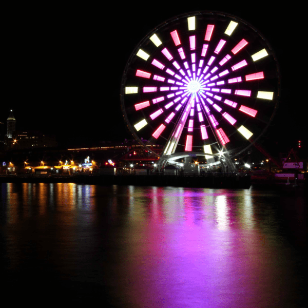 The Seattle Great Wheel Light Shows