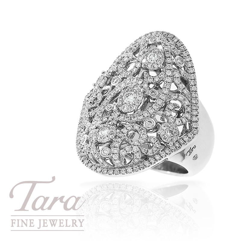Diamond Ring in 18k White Gold, .94 TDW