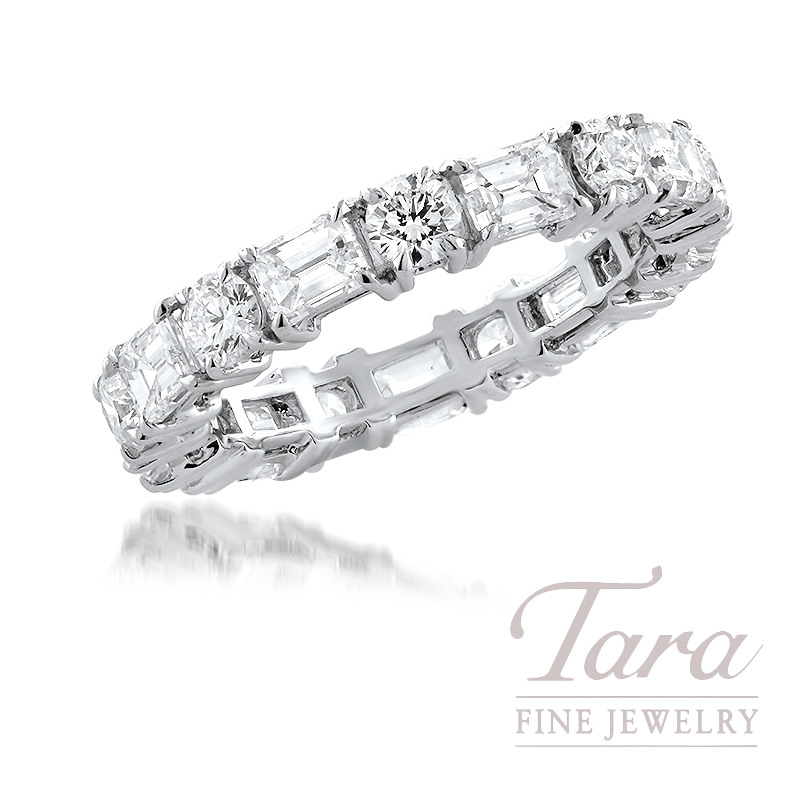18K White Gold Emerald Cut and Round Diamond Band, 3.25TDW