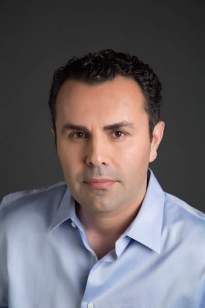 B. Robert Farzad headshot